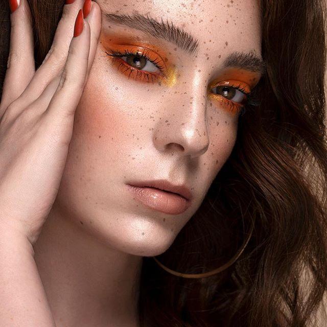 onirica cosmetics - orange & gold look by omar turrini - multiuse makeup